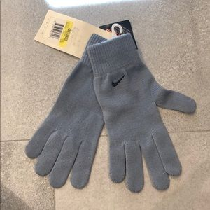 NWT Nike Unisex Thermal Knit Glove Size S/M
